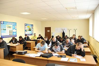 """Навчальний семінар """"Написання проектів"""" у м.Сарни 12 березня 2015 р."""